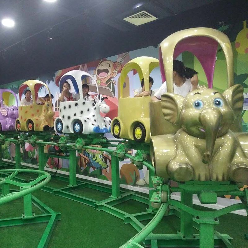 World Fun Attractions Brand 18 adventure mini roller coaster 16p ladybird